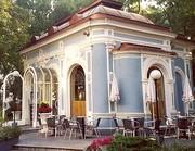 """Dieser """"Opernpavillon"""", heute ein Café, wurde einst mit drei anderen für eine Blumenausstellung gebaut."""