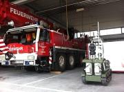 Feuerwehr und Rettungsroboter. (© Foto TU Graz)