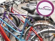 Fahrräder mit Autofasten-Schild. Foto: Klaus Pieber