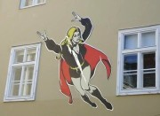 Superwoman suf einer Innenfassade des Grazer Rathauses. (Foto: Sudy)