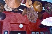 Die Decke der Osteria Al Capello in Udine ist voller Hüte. (Foto: Sudy)