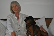 Erika Pluhar mit Hund Mimmo. (Foto: Sudy)