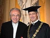Harald Kainz, Rektor der TU Graz, mit Architekt und Bauingenieur Werner Sobek. (© TU Graz/Lunghammer)