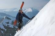 Hochtor. Beim Ausstieg aus dem Schneeloch. © Hannes Pichler
