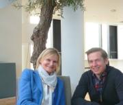 Hedi Grager mit dem Innen- und Möbeldesigner Georg Öhler. © Reinhard A. Sudy
