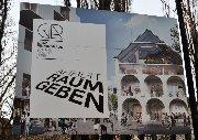 Plakatwerbung im Zufahrtsbereich. © 2015 Reinhard A. Sudy