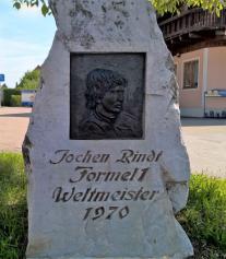 Jochen-Rindt-Gedenkstein in Seiersberg. © 2017 Reinhard A. Sudy