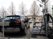 Robotergesteuertes Schnellladesystem für E-Fahrzeuge. © FTG - TU Graz