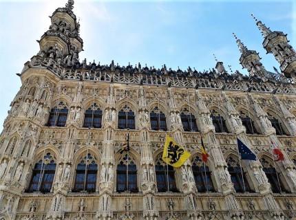 Rathaus-Fassade, Löwen/Leuven, Belgien. © 2019 Reinhard A. Sudy