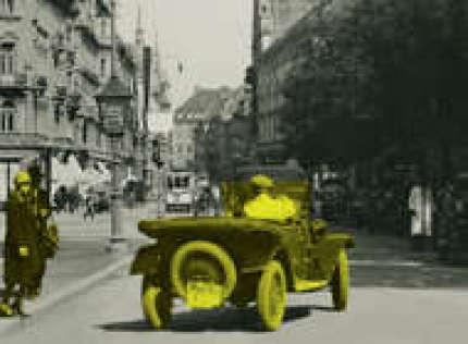 Graz, Platz am Eisernen Tor (Bismarckplatz), Ansichtskarte um 1930. © Sammlung Kubinzky