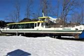 Österreichs erstes Solarschiff am Altausseer See im winterlichen Trockendock. © Reinhard A. Sudy