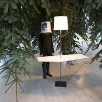Erwin Wurm, Lampenskulpturen, 2016. Foto: Studio Erwin Wurm, © Bildrecht, Wien 2017